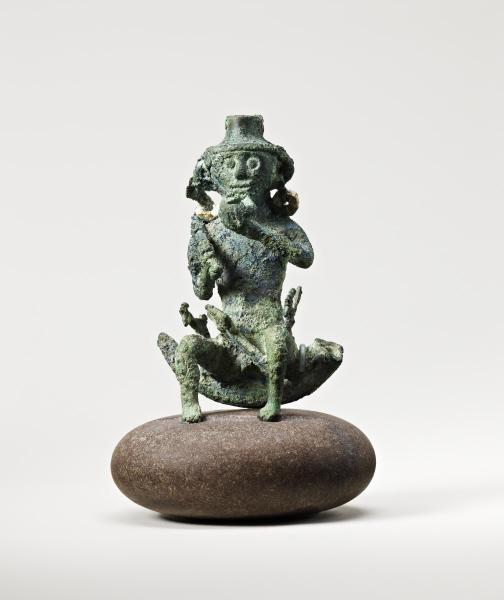 Bronze figurant un homme assis