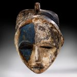 Un rare masque nzebi offert en 2018 au musée grâce au dîner de gala des Amis